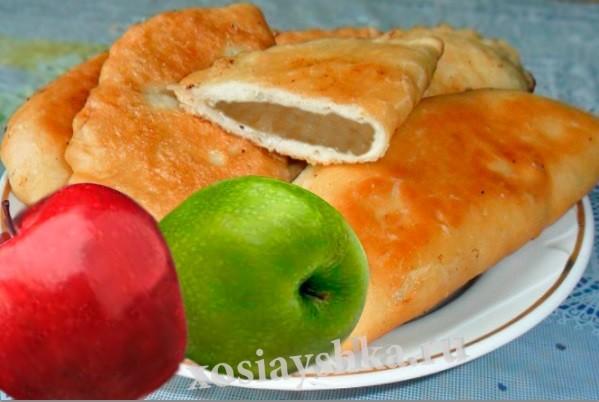 Пирожки с яблочным пюре