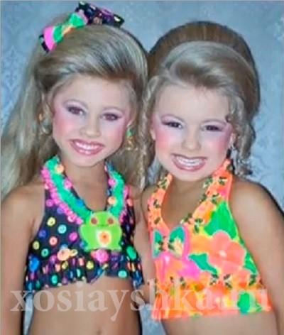 Маленькие дети - они и так красивые. Зачем весь этот макияж и прочая хрень