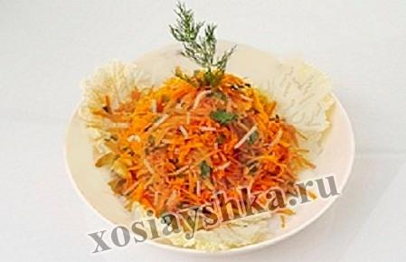 Салат из брюссельской капусты с грушами