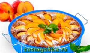 Пирог с нектарином